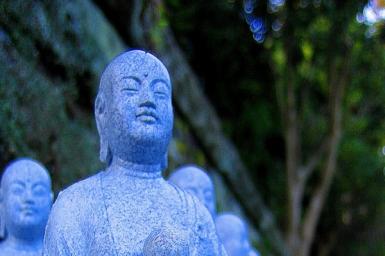 Đạo hiếu của người Việt và hiếu hạnh của Phật giáo
