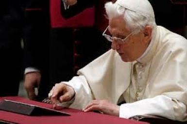 Trang Twitter của Đức Thánh Cha bằng tiếng Latinh