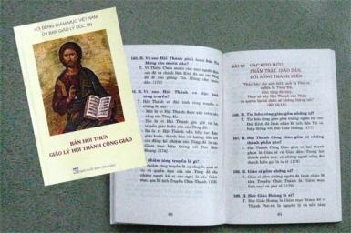 """Giới thiệu sách: """"Bản Hỏi Thưa – Giáo lý Hội Thánh Công giáo"""", 2013"""