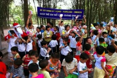 Hội Thánh Tin Lành Hy Vọng mang niềm vui đến các trẻ em mồ côi