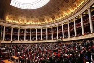 Pháp: Quốc gia thứ 14 hợp pháp hóa hôn nhân đồng giới