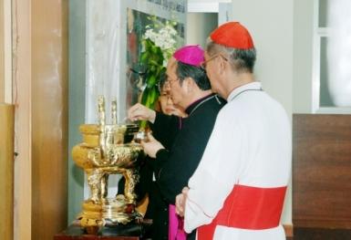 Tâm tình của ĐHY GB. Phạm Minh Mẫn trong cuộc gặp gỡ liên tôn (27.10.2011)