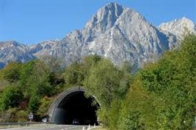 Con đường hầm