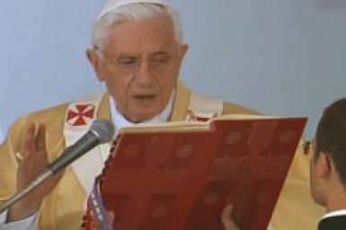 """Sứ điệp Ngày Thế giới Truyền thông Xã hội 2012: """"Thinh lặng và Lời nói: Con đường Phúc âm hóa"""""""
