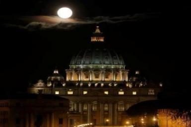 Những đêm trăng Vatican