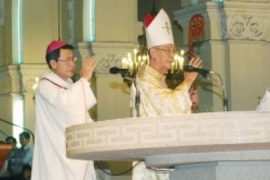 Thánh lễ Giao thừa tại Nhà thờ Chính tòa Sài Gòn
