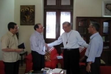 Linh mục đi giúp Mục vụ Di dân tại Malaysia