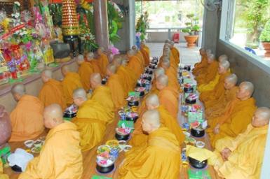 Phật an cư không tiếp khách