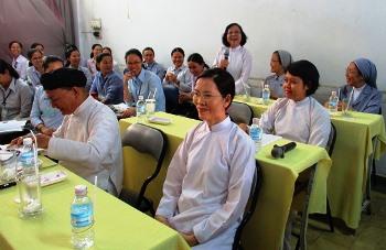 Một buổi tìm hiểu Đạo Cao Đài tại Học viện Liên Dòng nữ
