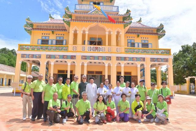 Phái đoàn Học viện Đạo giáo Hồng Kông chào thăm Hội thánh Cao Đài TTTN