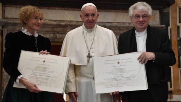 2 nhân vật được giải thưởng Ratzinger-Biển Đức XVI năm 2018