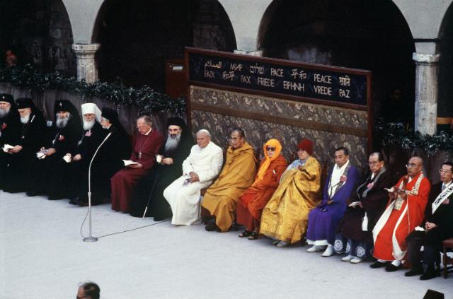 """ĐGH Phanxicô sẽ tham dự """"Ngày cầu nguyện cho hoà bình"""" tại Assisi vào tháng 9"""