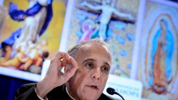 Bộ Giám mục yêu cầu HĐGM Mỹ tạm hoãn bỏ phiếu