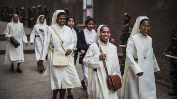 Liên hiệp bề trên tổng quyền các dòng nữ trên thế giới lập quỹ cứu trợ cho các dòng nữ bị ảnh hưởng bởi đại dịch