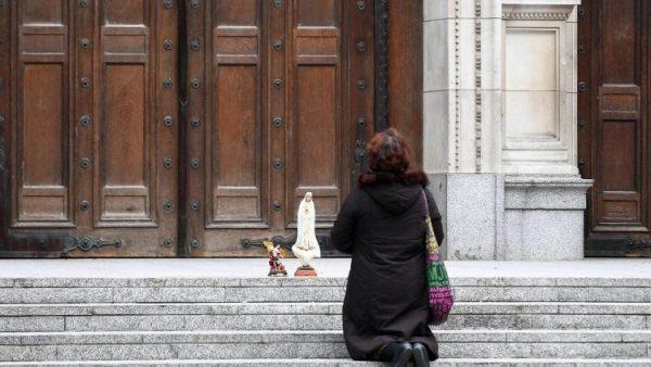 Các Giám mục Anh và xứ Wales thất vọng vì các nhà thờ tiếp tục đóng cửa đến tháng 7