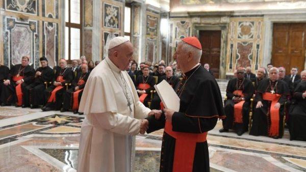 Bộ Giáo dục Công giáo bày tỏ sự gần gũi với các tổ chức giáo dục Công giáo