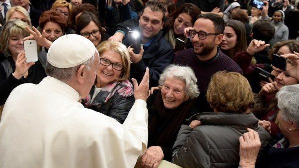 ĐGH Phanxicô cám ơn các nhân viên Vatican duy trì hoạt động trong thời gian đại dịch