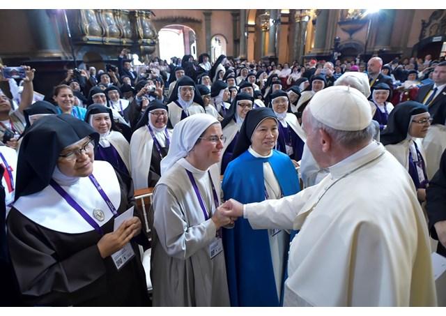 Đức Giáo hoàng Phanxicô nhắn nhủ đừng than về thiếu ơn gọi