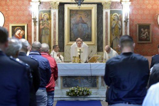 Đức Giáo hoàng cử hành Lễ Tiệc Ly và Rửa Chân cho các Tù Nhân tại nhà tù Paliano