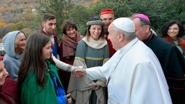 ĐGH Phanxicô thăm Greccio, nơi có hang đá Giáng sinh đầu tiên