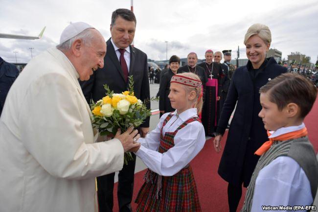 ĐGH Phanxicô bắt đầu viếng thăm Lettoni