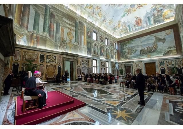 Đức Giáo hoàng Phanxicô tiếp 60 nhà thiên văn quốc tế