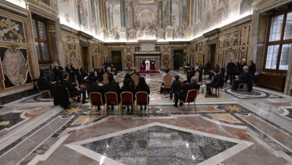 ĐGH Phanxicô tiếp kiến 8 tân Đại sứ cạnh Tòa Thánh