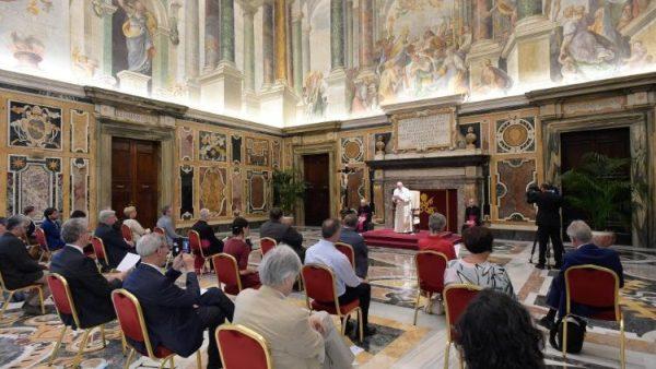 ĐGH: Truyền thông Công giáo phải mang niềm hy vọng và tin tưởng vào tương lai