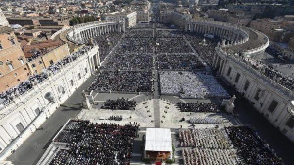 ĐGH Phanxicô tôn phong 7 vị chân phước lên bậc Hiển Thánh