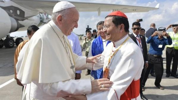 ĐHY Charles Maung Bo chào mừng ĐGH Phanxicô viếng thăm Thái Lan và Nhật Bản
