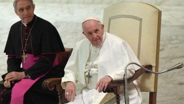 Đức TGM Chủ tịch Phủ Giáo hoàng nhập viện