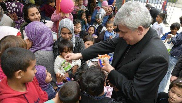 Vatican đón một số người xin tị nạn đến Ý