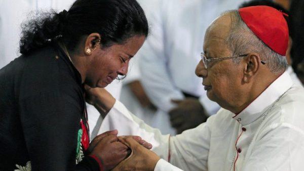 Thánh lễ được cử hành và các trường Công giáo mở cửa trở lại ở Colombo