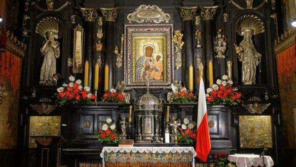 Ảnh Đức Mẹ Đen của Ba Lan tại một thành phố ở Hà Lan bị phá hoại