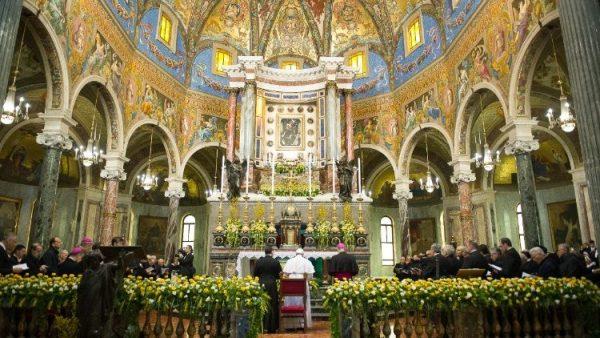 Truyền thống cầu khấn Đức Maria ở đền thánh Pompei