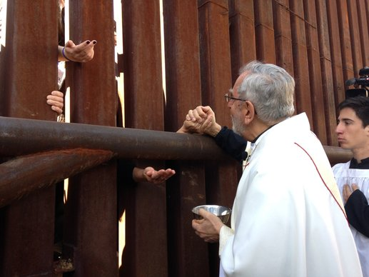 """""""Giáo phận không biên giới"""": một sáng kiến ủng hộ đón nhận người di dân"""