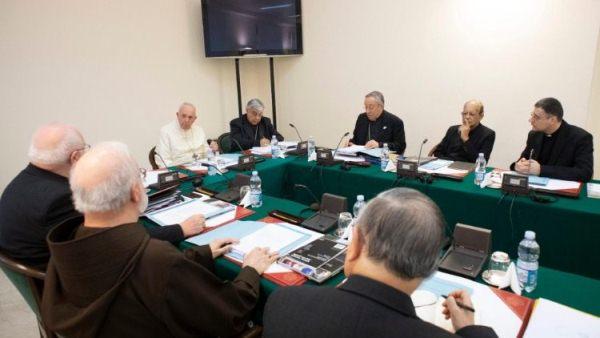 Hội đồng Hồng y cố vấn tiếp tục nghiên cứu về Tông hiến mới