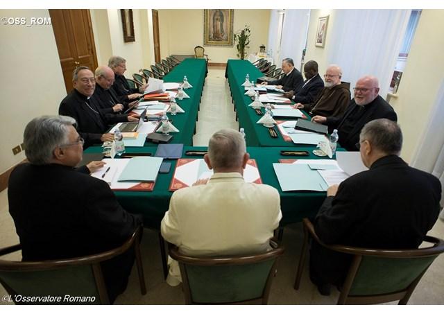 Hội đồng Hồng y tư vấn nhóm họp Khoá thứ 18