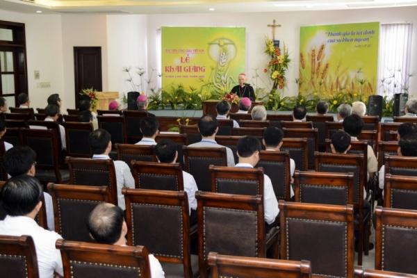 Học viện Công giáo Việt Nam: Khai giảng Khóa cao học Thần học đầu tiên