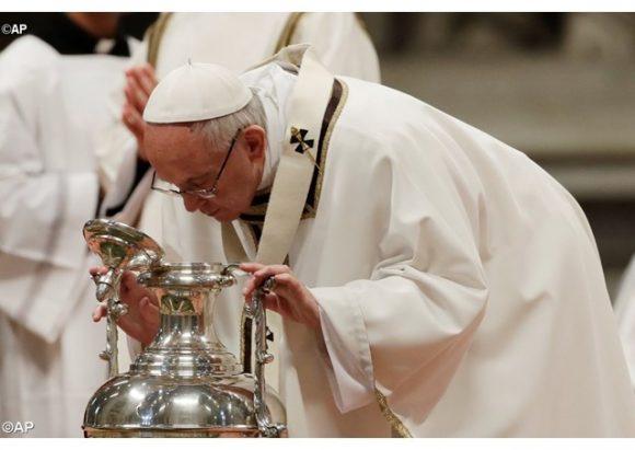 Đức Giáo hoàng cử hành Lễ Truyền Dầu tại Vatican 2017