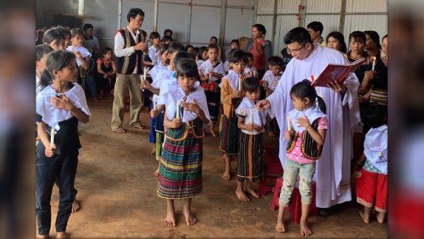 ĐGH chính thức thiết lập thừa tác vụ giáo lý viên của giáo dân