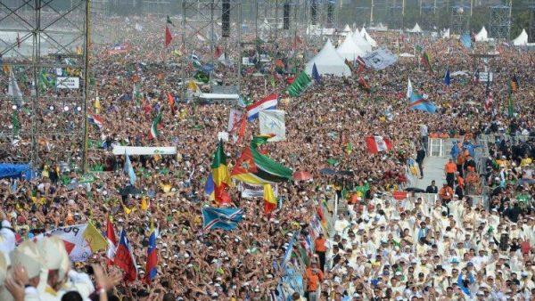 ĐGH kêu gọi các bạn trẻ Argentina hãy có lý tưởng để thay đổi thế giới