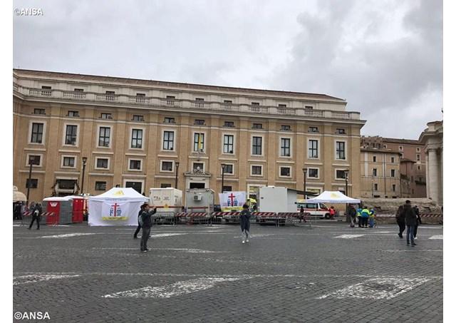 Ngày Thế giới người nghèo lần I tại Vatican