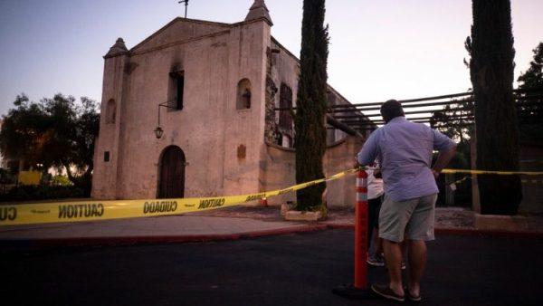 Nhà thờ San Gabriel 249 tuổi bị cháy. Giám mục Los Angeles kêu gọi cầu nguyện cho cộng đoàn