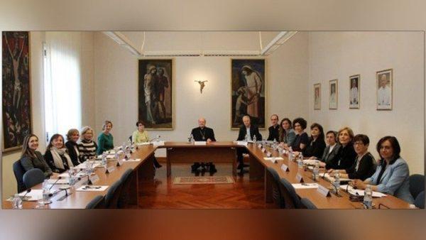 ĐGH khích lệ Nhóm tham vấn phụ nữ của Hội đồng Giáo hoàng về Văn hoá