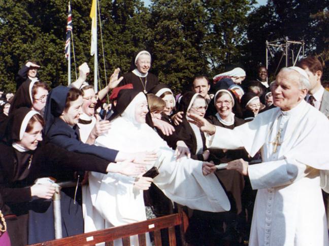 """ĐGH Gioan-Phaolô II: """"Thư gửi Người Phụ nữ"""""""