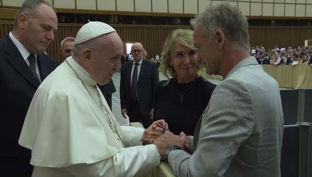 ĐGH Phanxicô gặp gỡ vợ chồng ca sĩ Sting