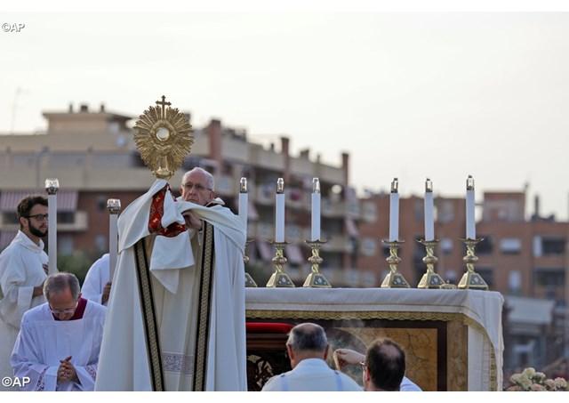 Thánh Thể giữ chỗ trước cho chúng ta trên Thiên đàng