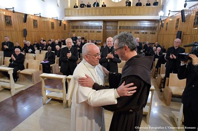 Đức Giáo hoàng kết thúc Tuần tĩnh tâm Mùa Chay và trở về Vatican