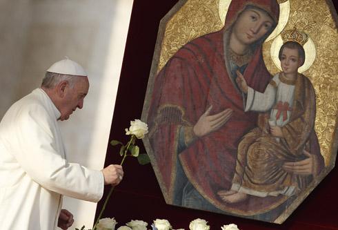 ĐGH Phanxicô nói về tầm quan trọng của Mẹ Maria nhân dịp Năm Thánh với Mẹ